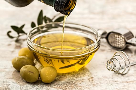 olivový olej do zálivky